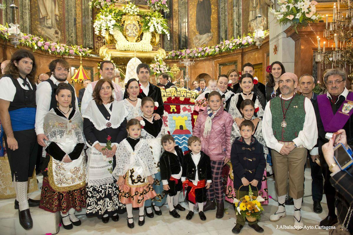 Ofrenda Floral viernes de Dolores festividad de la patrona la Virgen de la Caridad