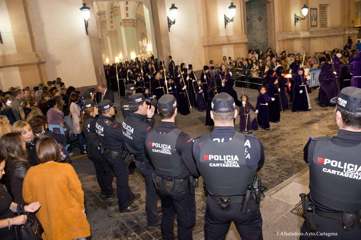 Agentes de la Policía Local en la Procesión del Lunes Santo, Semana Santa 2017