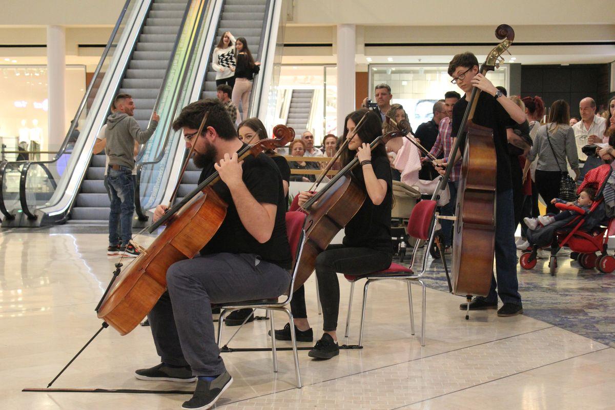 Flashmob Joven Orquesta de Cartagena Entre Cuerdas y Metales