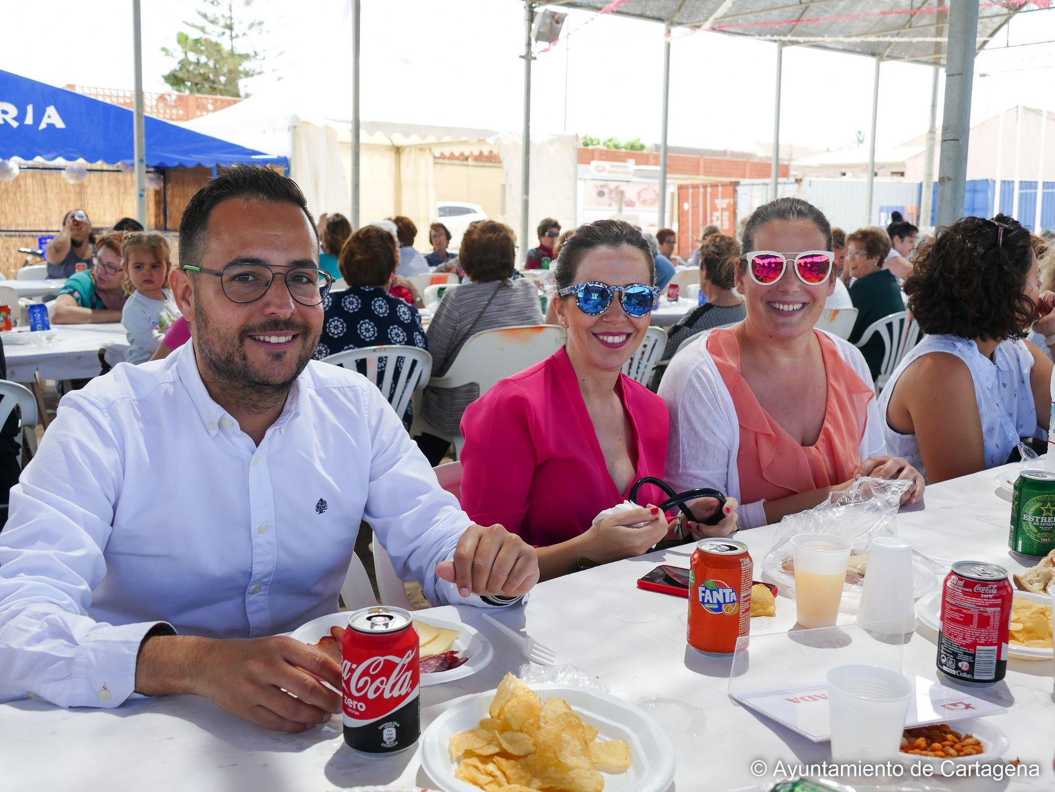 Comida de la Asociación de Amas de Casa de Pozo Estrecho en el Día de la Mujer Galilea