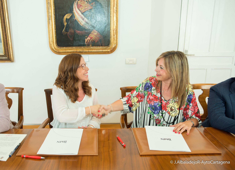 Firma del convenio de colaboración entre la ADLE y BMN