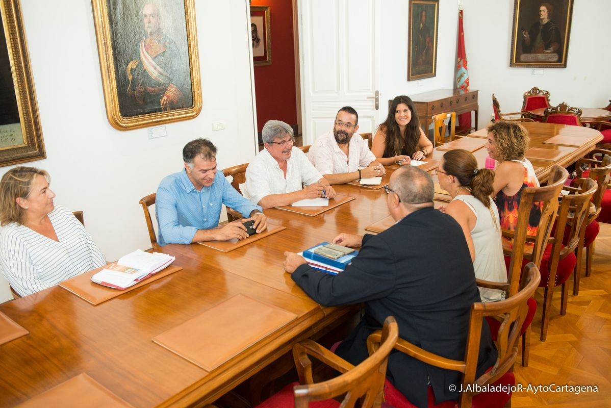 Reunión de Ana Belén Castejón y Carmen Martín con representantes de EAPN