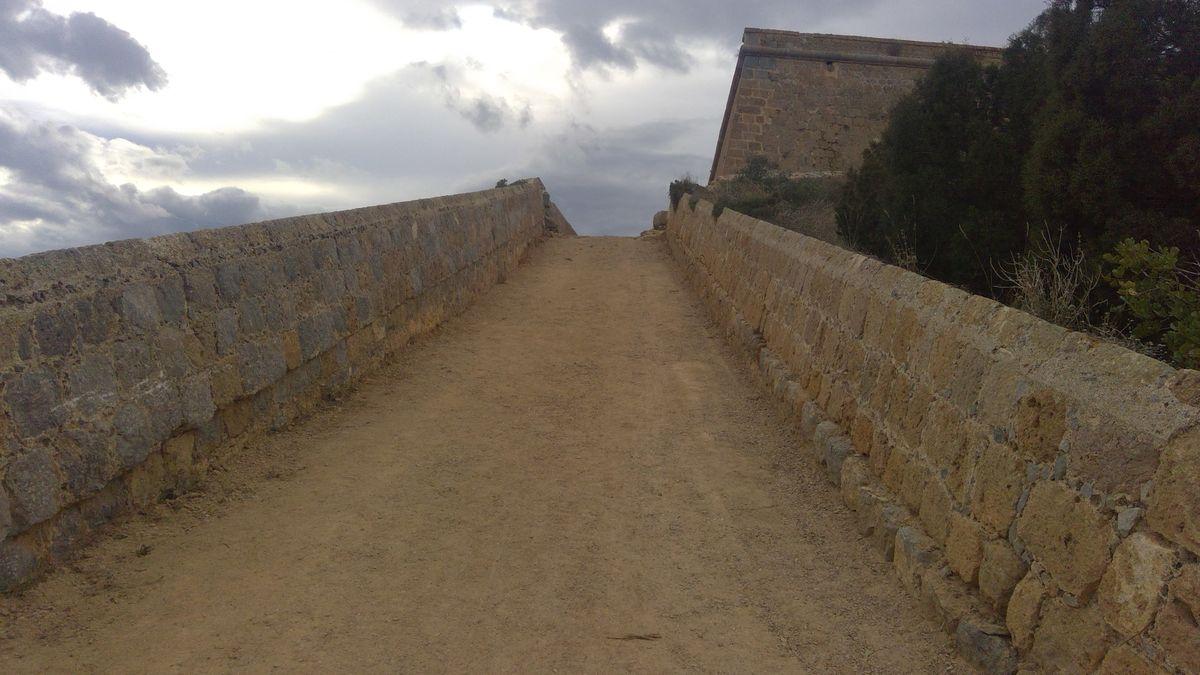 Limpieza del Castillo de la Atalaya