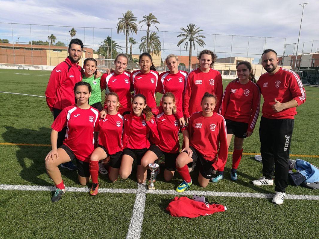 CD Dolorense, campeonas de Féminas del XII Trofeo de Navidad de Fútbol Base
