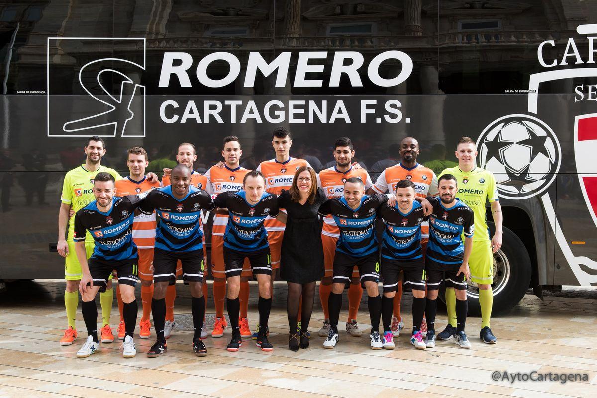 Despedida de los jugadores del Plásticos Romero Cartagena