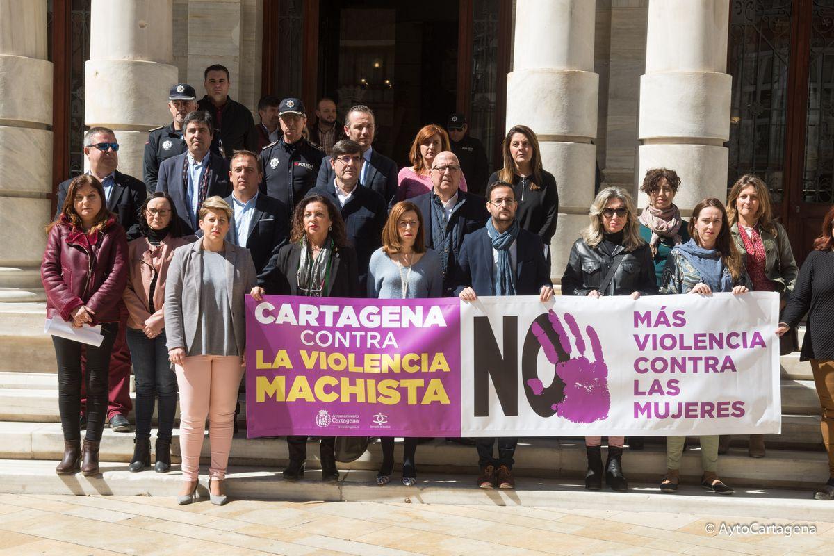 Minuto de silencio contra la violencia machista