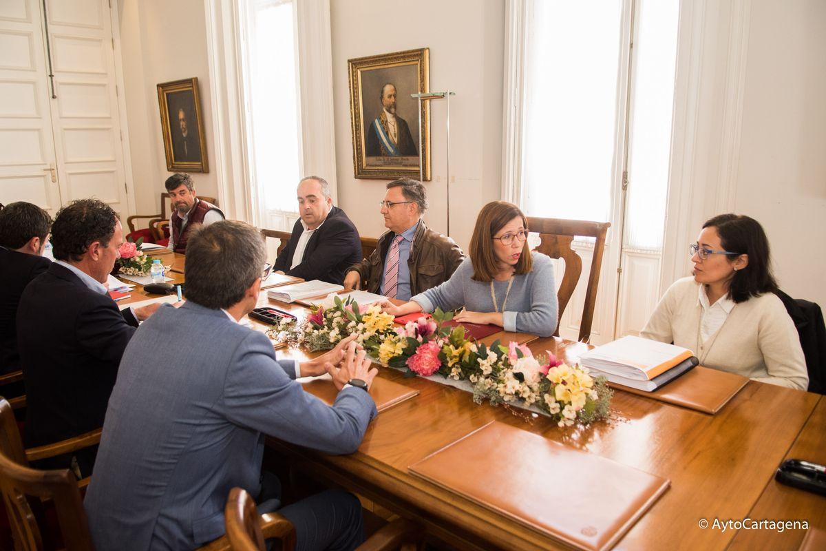Reunión Alcaldesa y UTE