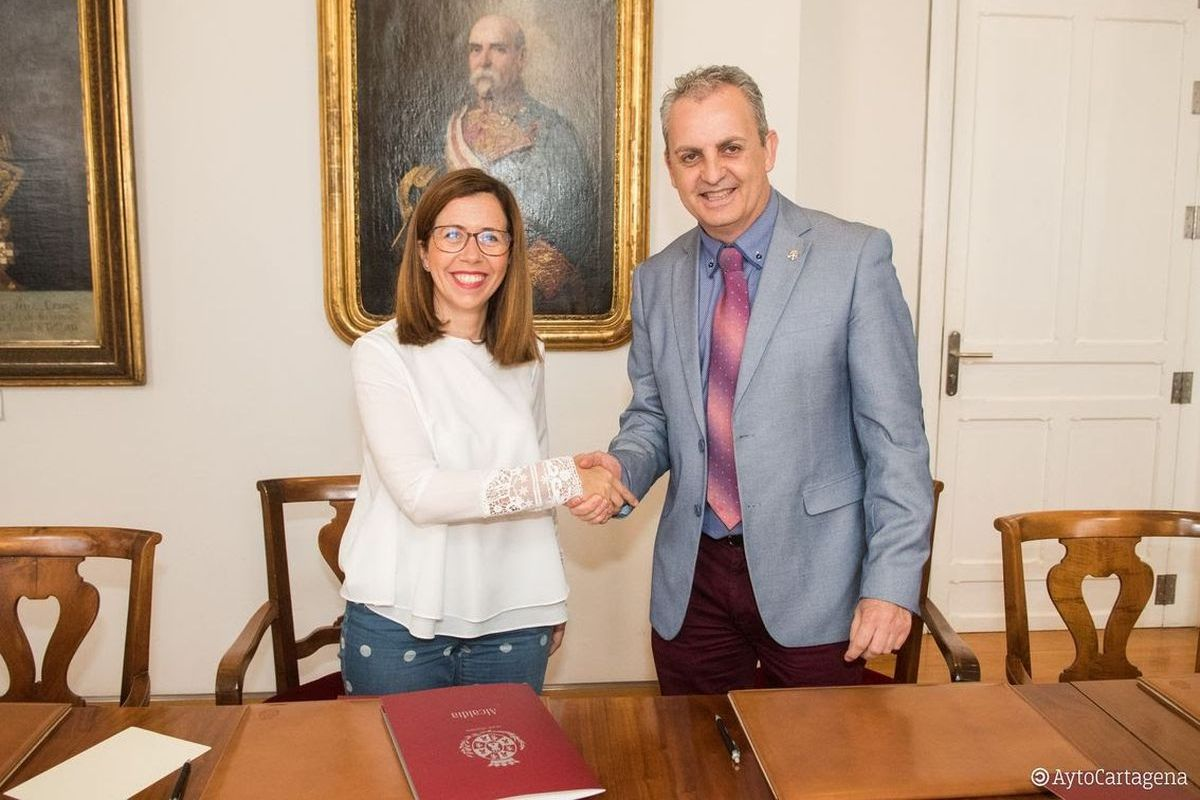 Firma convenio Futsal y Ayuntamiento de Cartagena