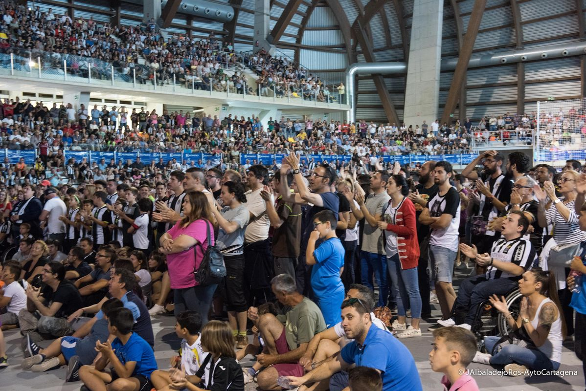 Pantalla gigante - Palacio de Deportes, partido Cartagena Majadahonda
