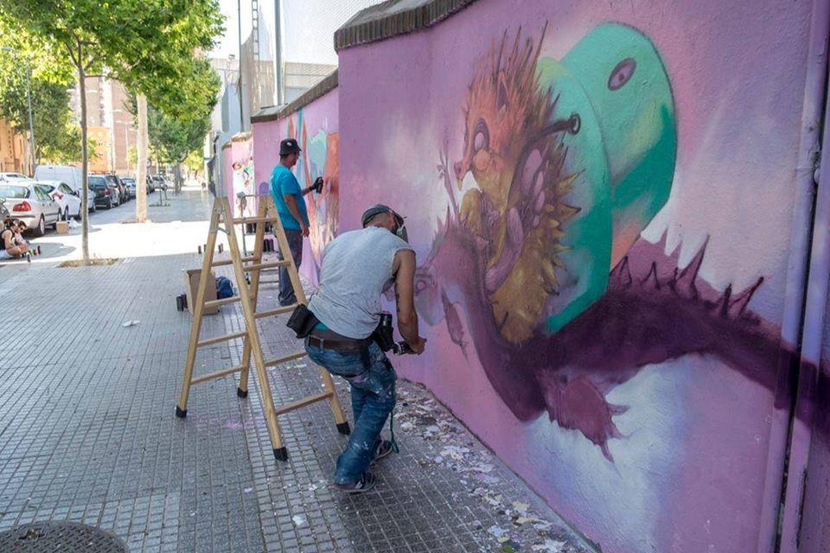 Murales y graffitis del mucho más mayo