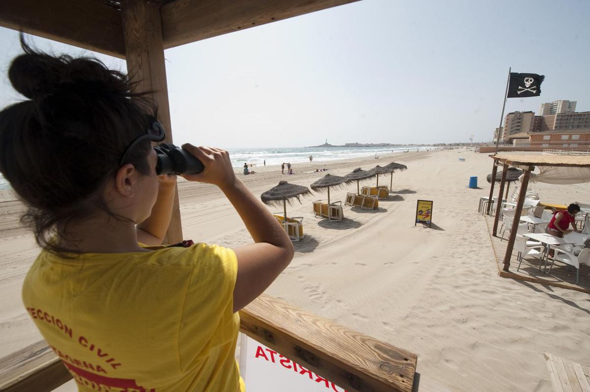 Los socorristas realizan 234 actuaciones en playas en lo que va de mes