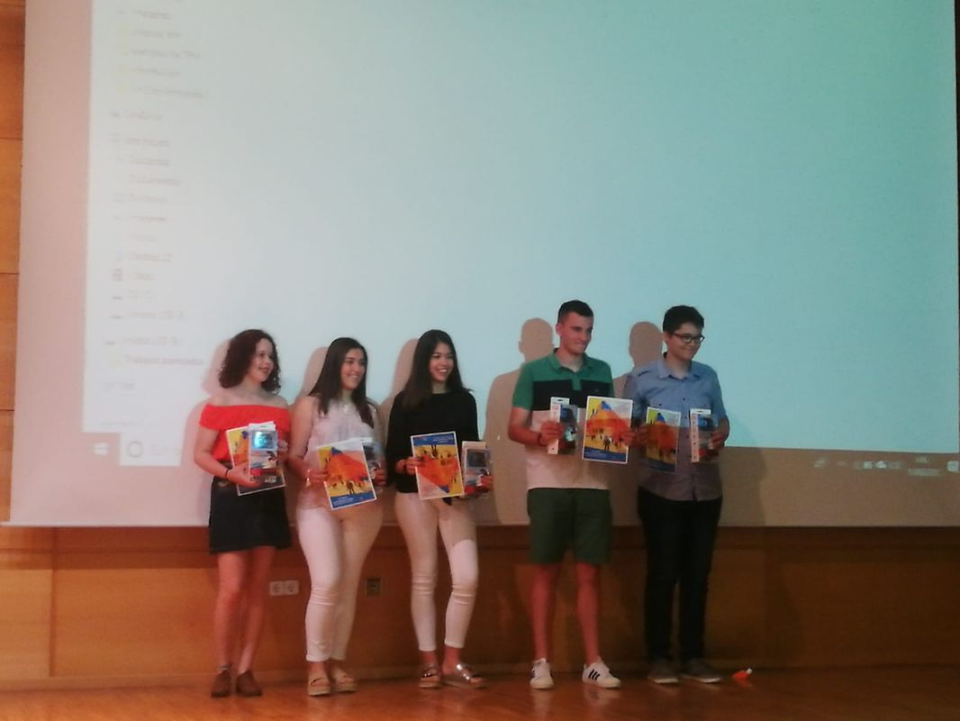 Entrega de premios concurso transparencia en secundaria (San Vicente de Paúl)