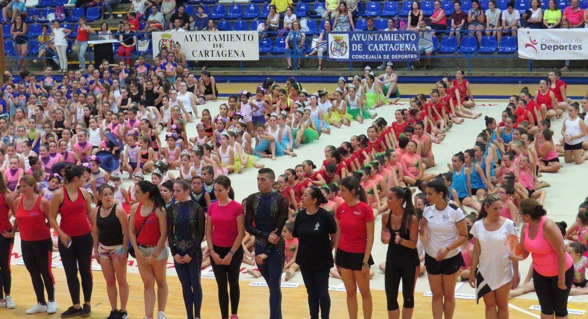 Clausura de la temporada de la Escuela Municipal de Gimnasia Rítmica Deportiva y Gimnasia Estética