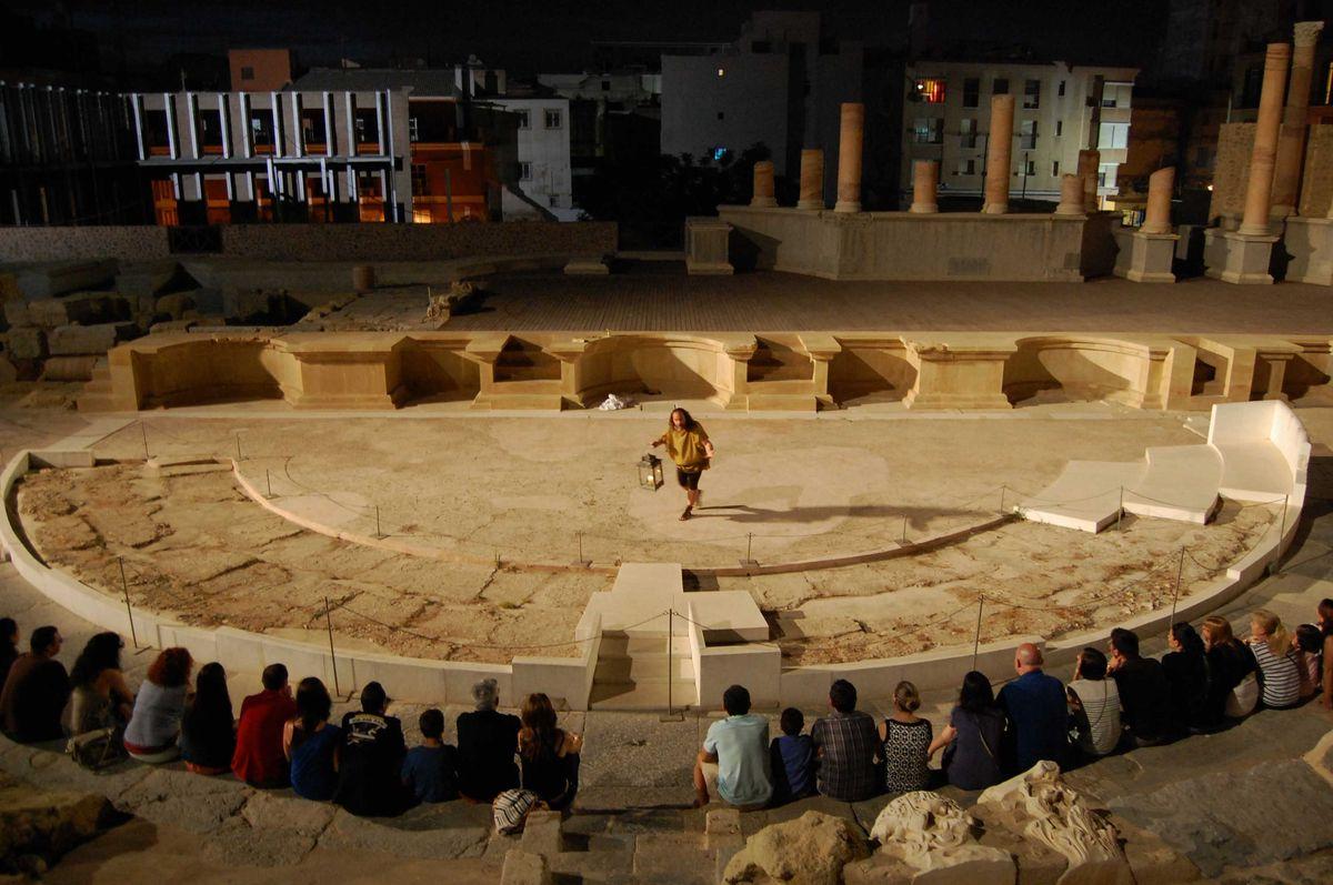 Visitas nocturnas al Teatro Romano y al Barrio del Foro