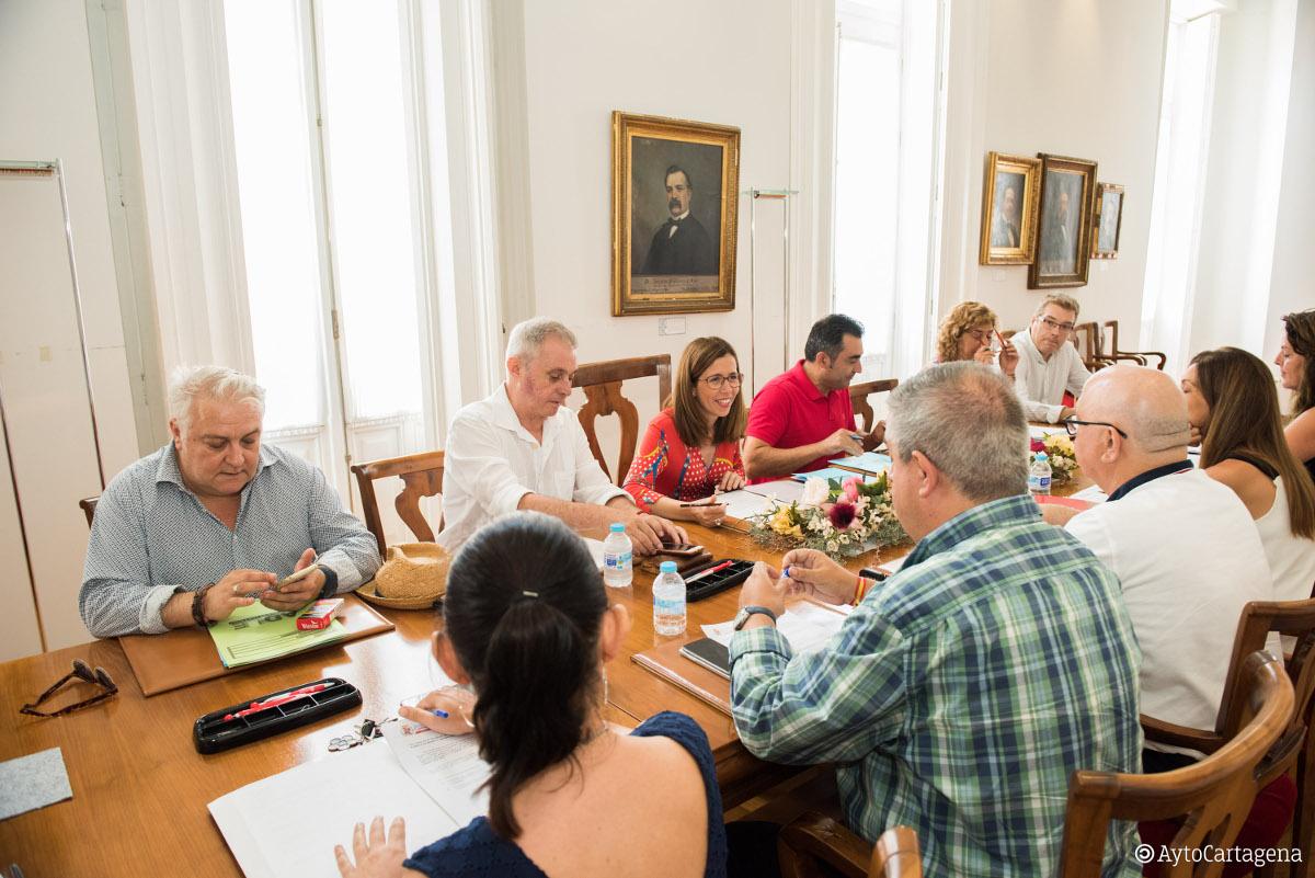 Imagen de una reunión del Consejo Rector de la ADLE