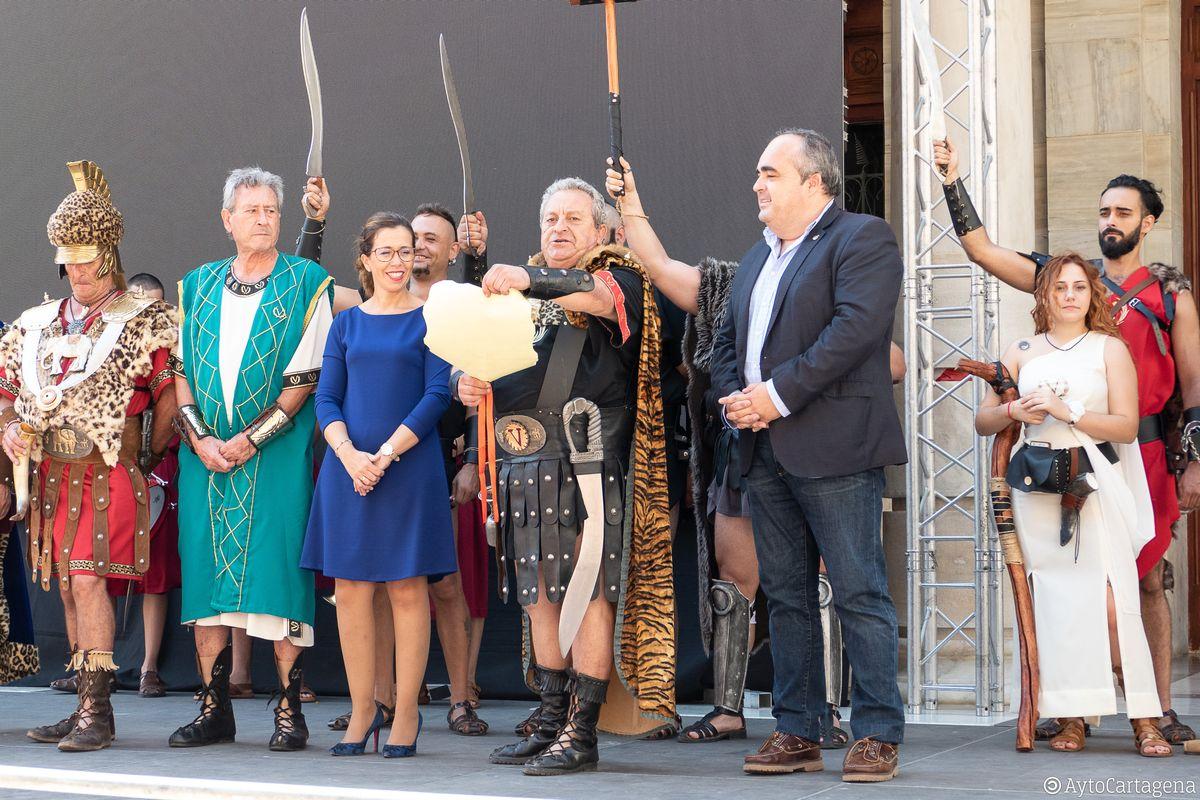 El Pregonillo anuncia el inicio de las Fiestas por todo el municipio
