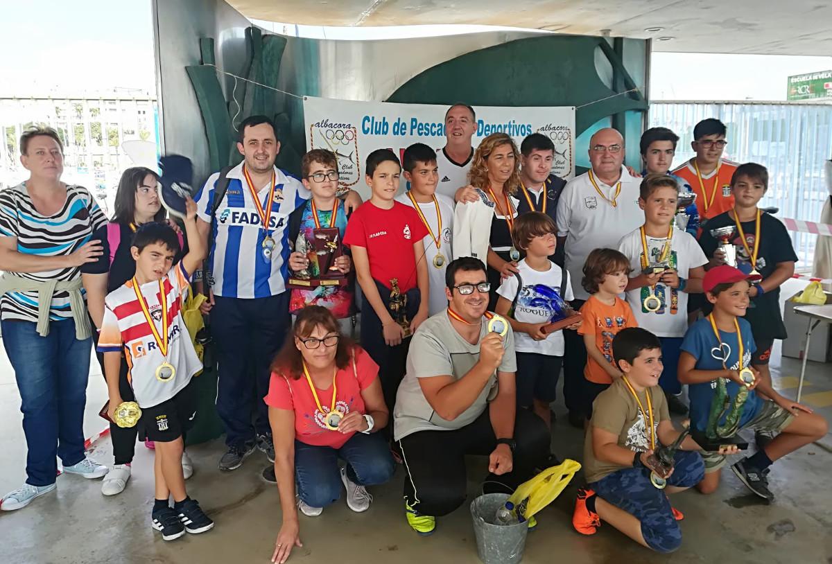 Más de una treintena de chicos participaron en el 'Concurso de Pesca Deportiva Cristo de Medinaceli'