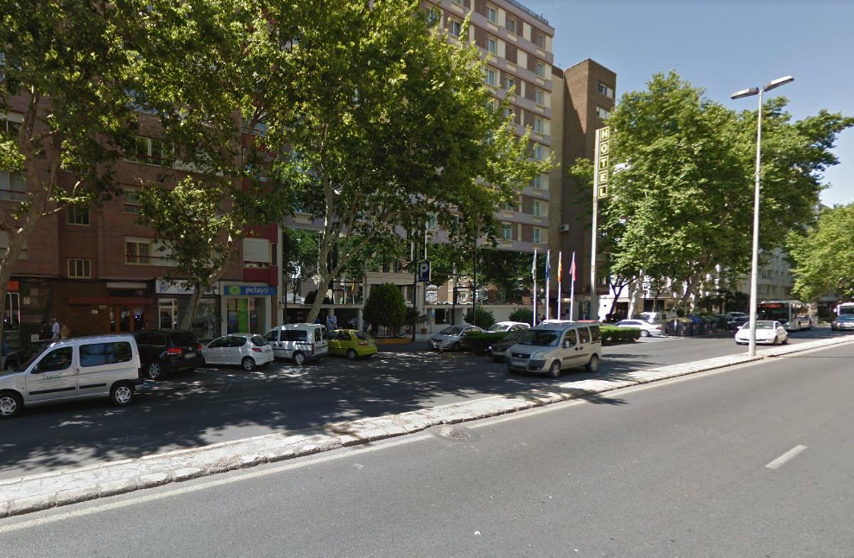 Corte de tráfico este miércoles en el Paseo Alfonso XIII para el pintado de la mediana