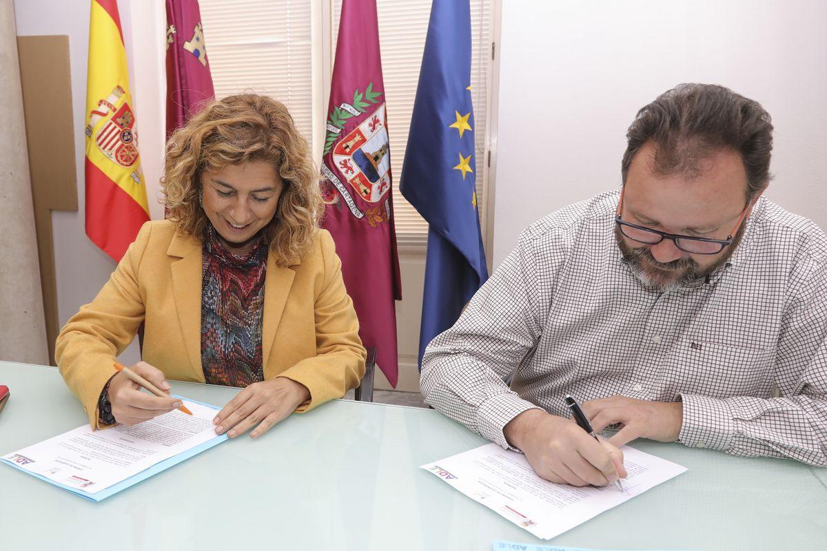 Firma convenio ADLE y Asociación Murciana de Rehabilitación Psicosocial- ISOL