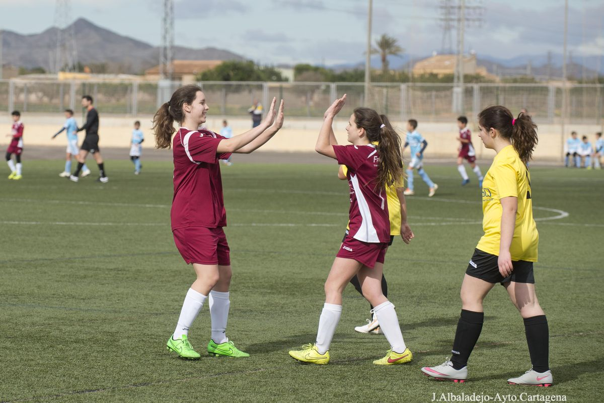Campo de fútbol municipal del Polígono de Santa que verá mejorado su sistema de riego