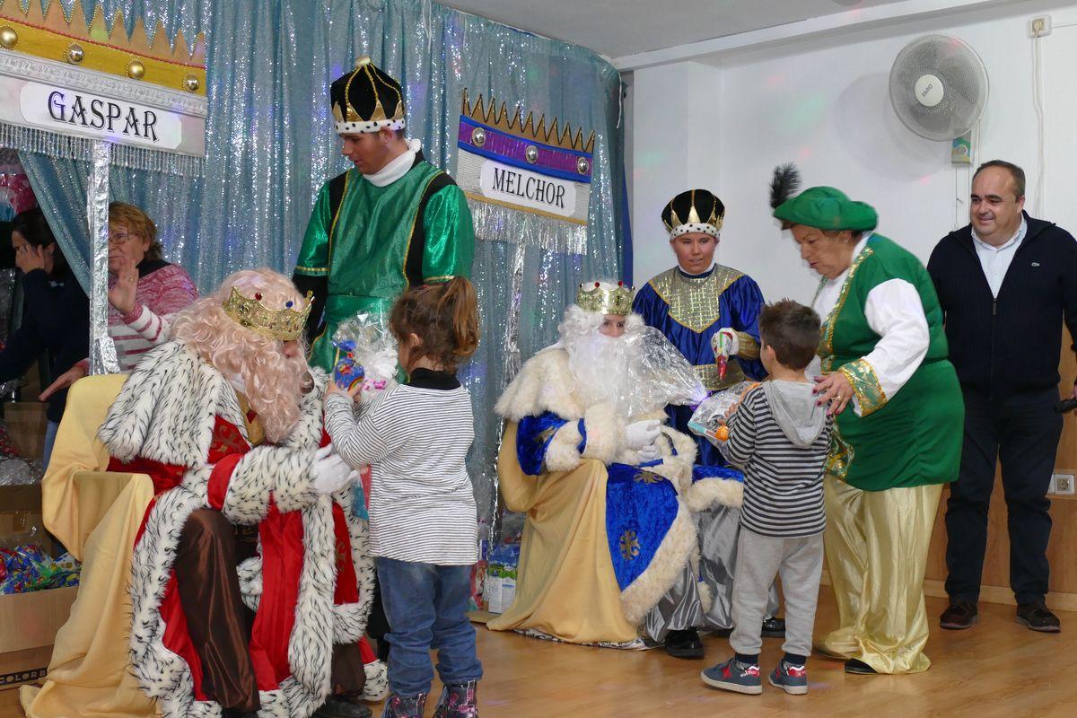 Entrega de juguetes de los Reyes Magos