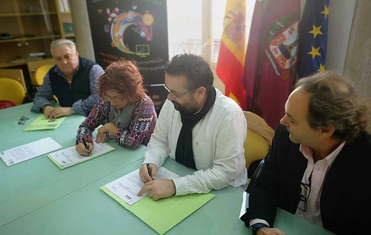 Firma del convenio de colaboración entre la ADLE y Fundación CEPAIM