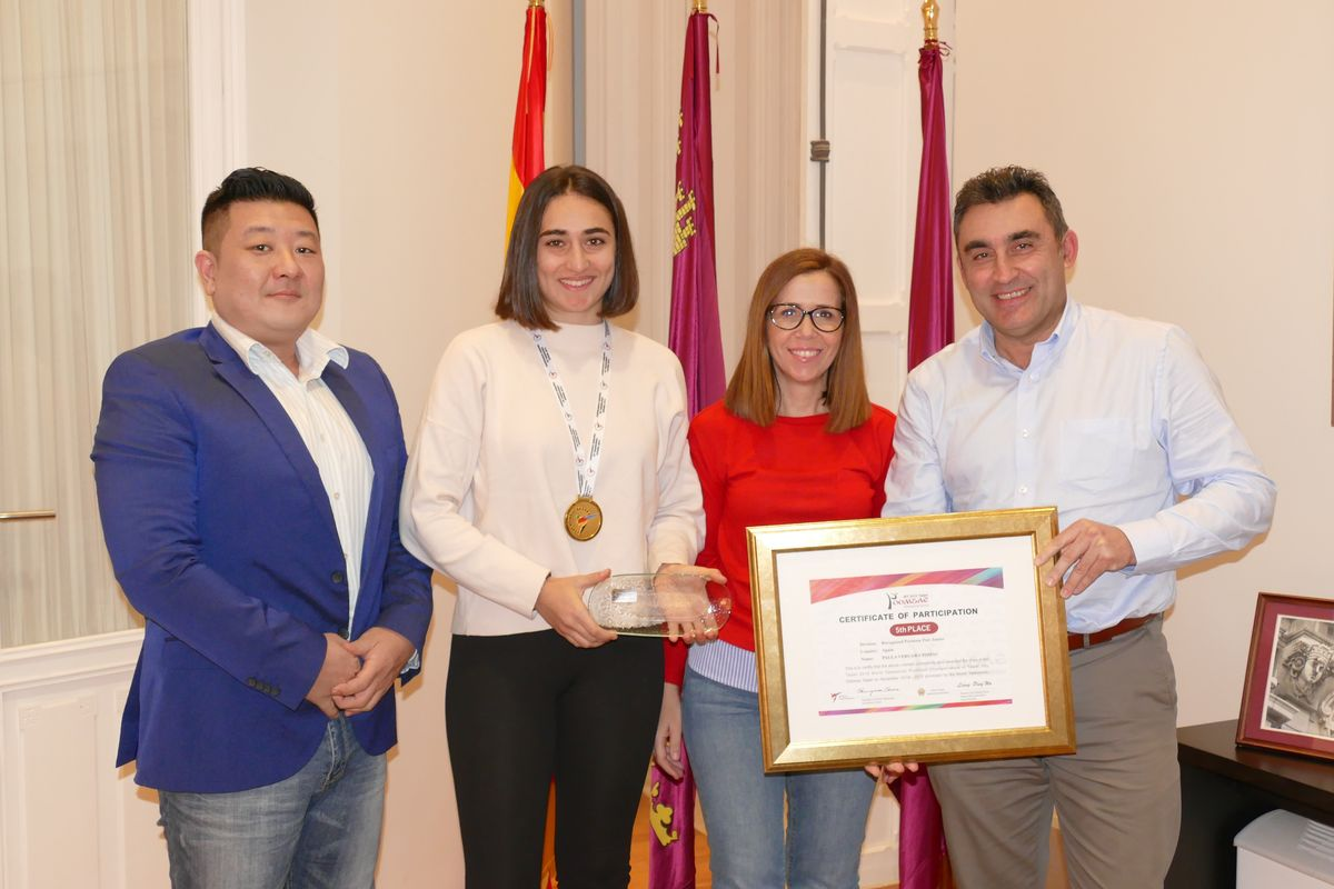 Recepción de la campeona de España de Taekwondo, Paula Vergara