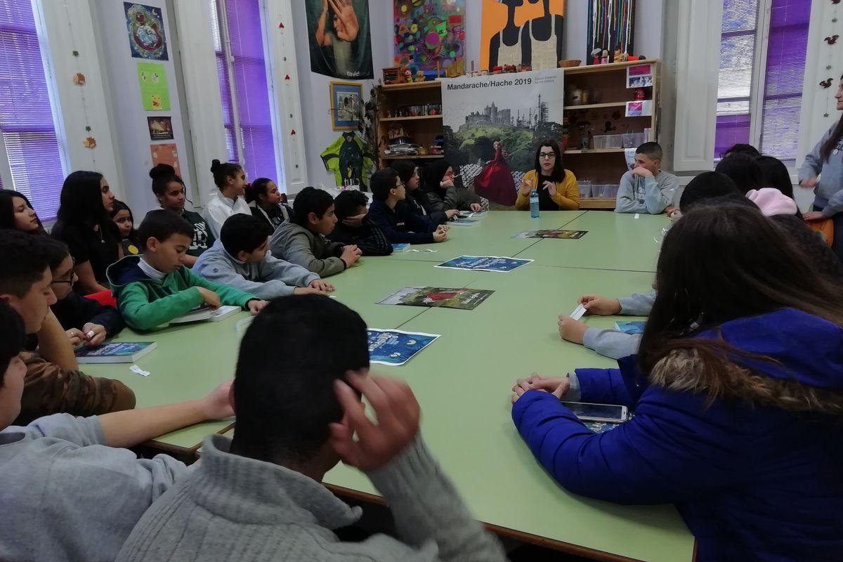 Encuentro Catalina González con los jóvenes de los Centros Interculturas