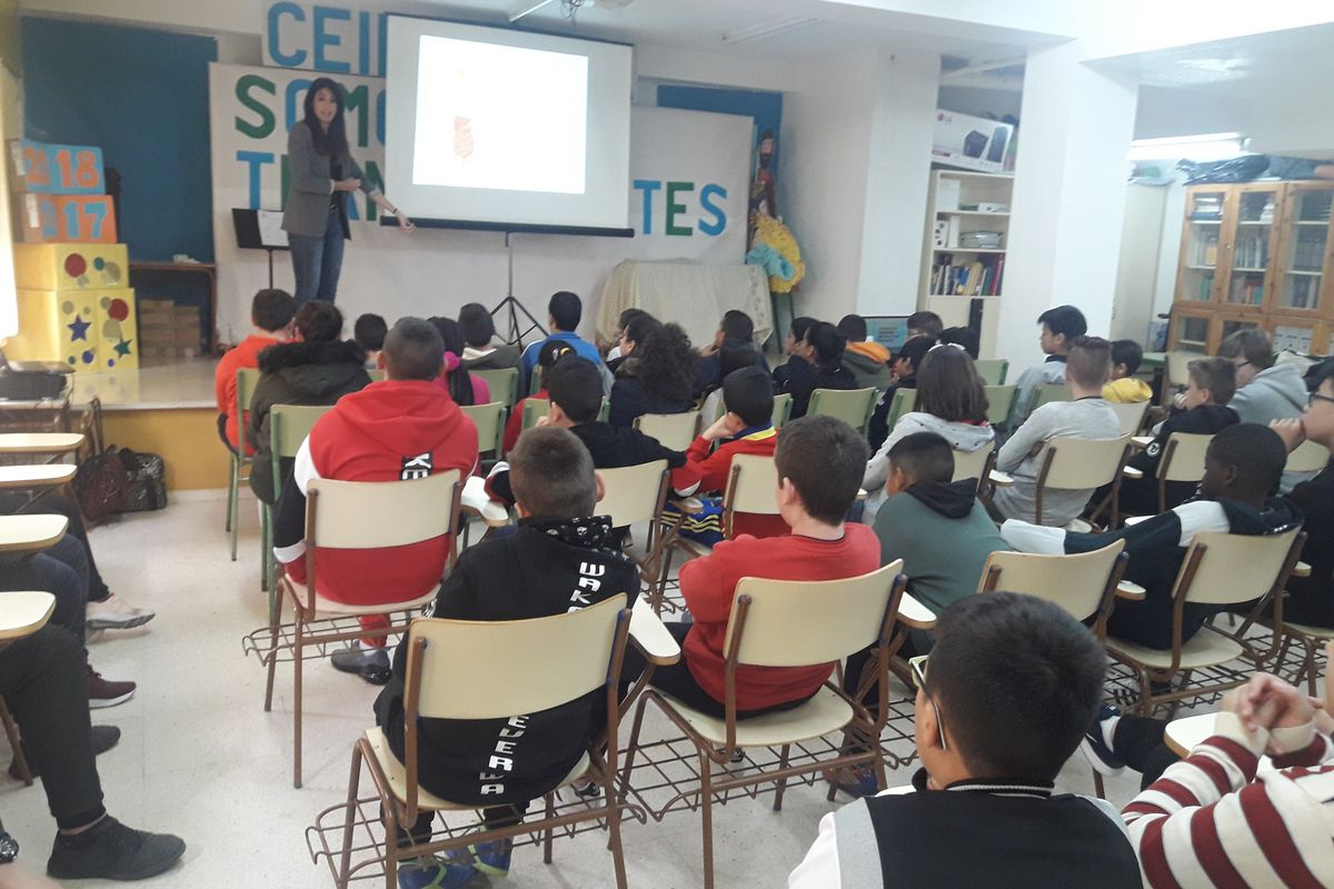 Encuentro sobre nutrición y deporte en el Colegio Público Mastia