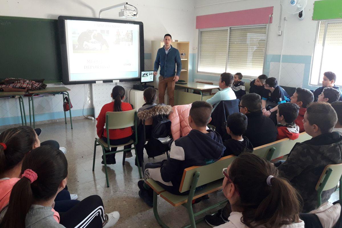 Charla sobre nutrición y deporte en el colegio Asdrúbal