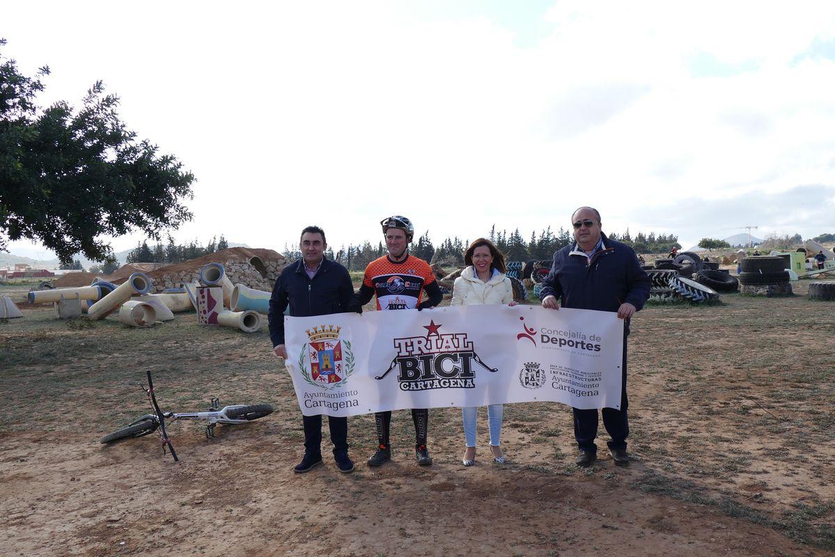 Visita a la terminación de las obras del circuito de Trial Bici junto al POlígono de Los Camchos