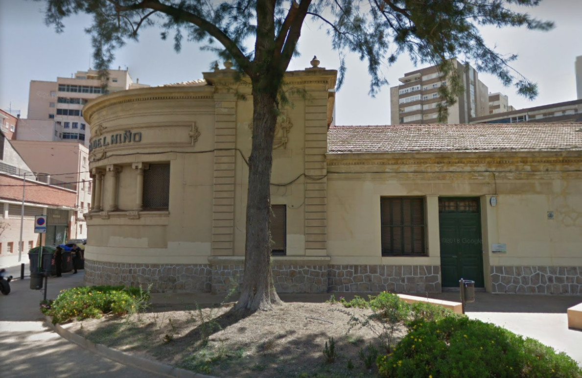 Parte de la fachada del edificio de la Casa del Niño