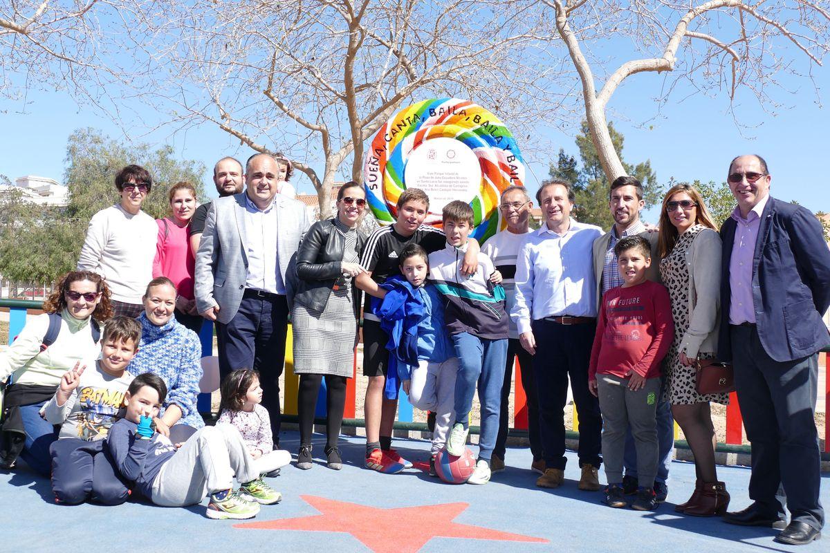 Inauguración de parques infantiles en las plazas de Julios Escudero y la Marina de Santa Lucía
