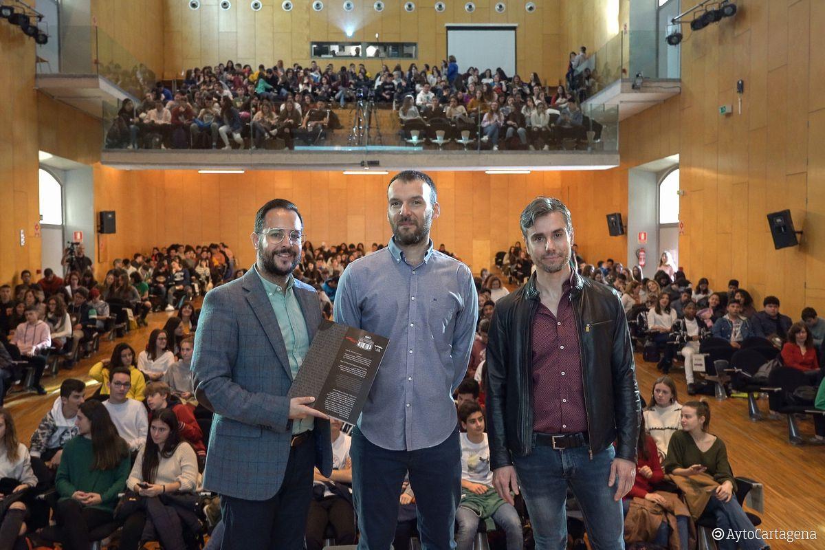 Encuentros del Premio Mandarache con Rayco Pulido