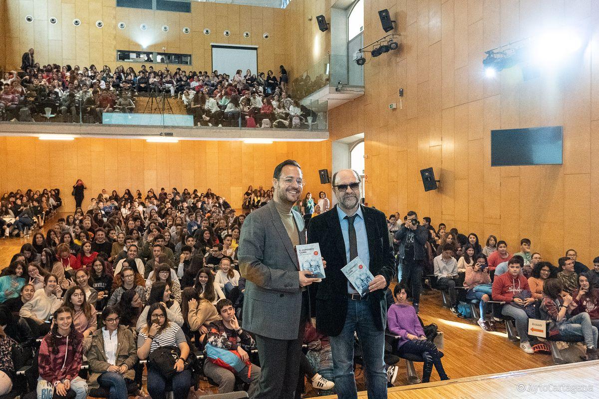 Encuentro con autor Fernando Lalana en el Paraninfo UPCT del Premio Hache 2019