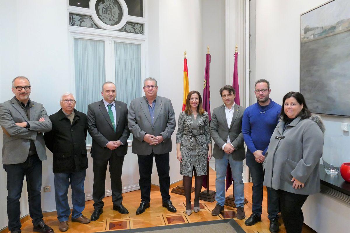 La Cofradía del Resucitado nombra como nueva madrina a la alcaldesa