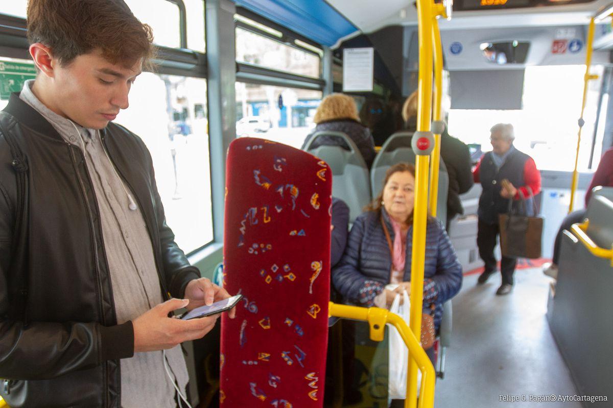 Los autobuses estrenan wifi