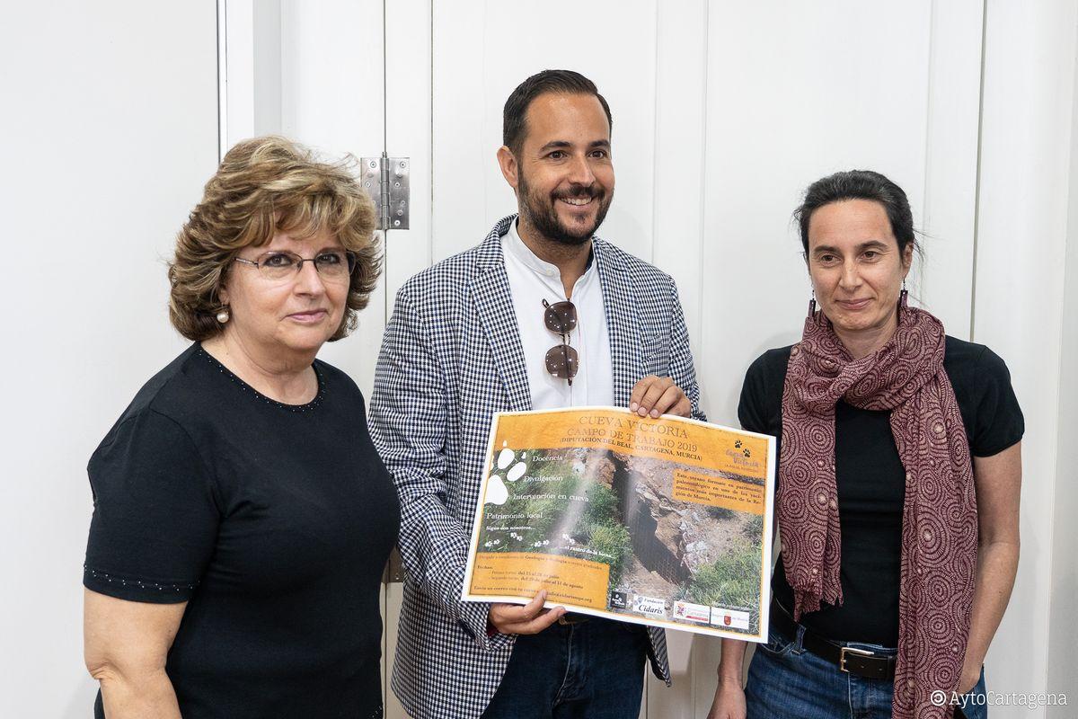 Presentación convocatoria campo de trabajo Cueva Victoria 2019