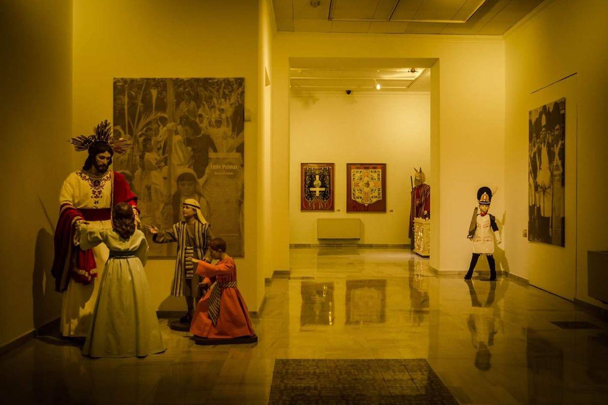 Exposición 'Entre Palmas: los 75 años del Domingo de Ramos', de la Cofradía California