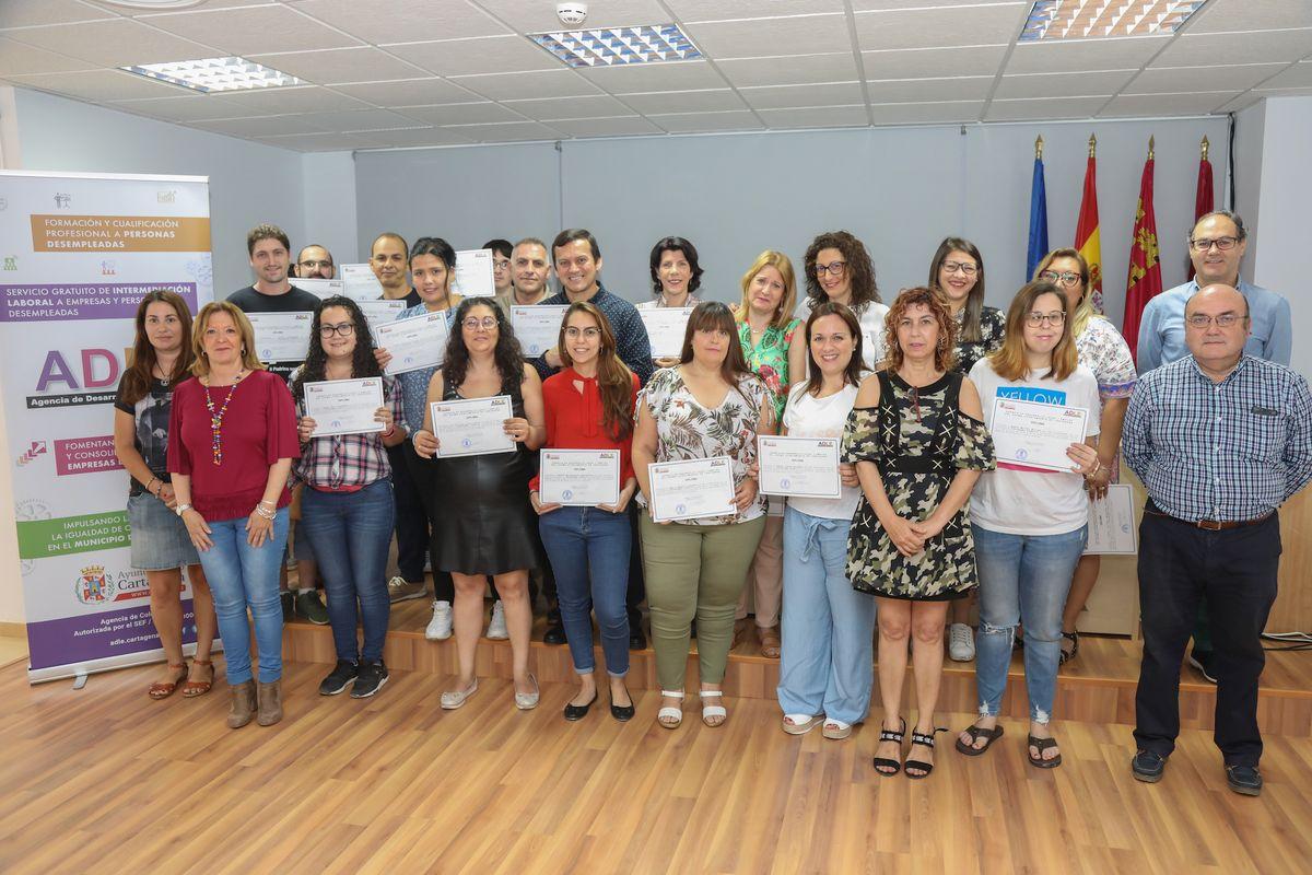 Entrega de diplomas Programa Conecta ADLE