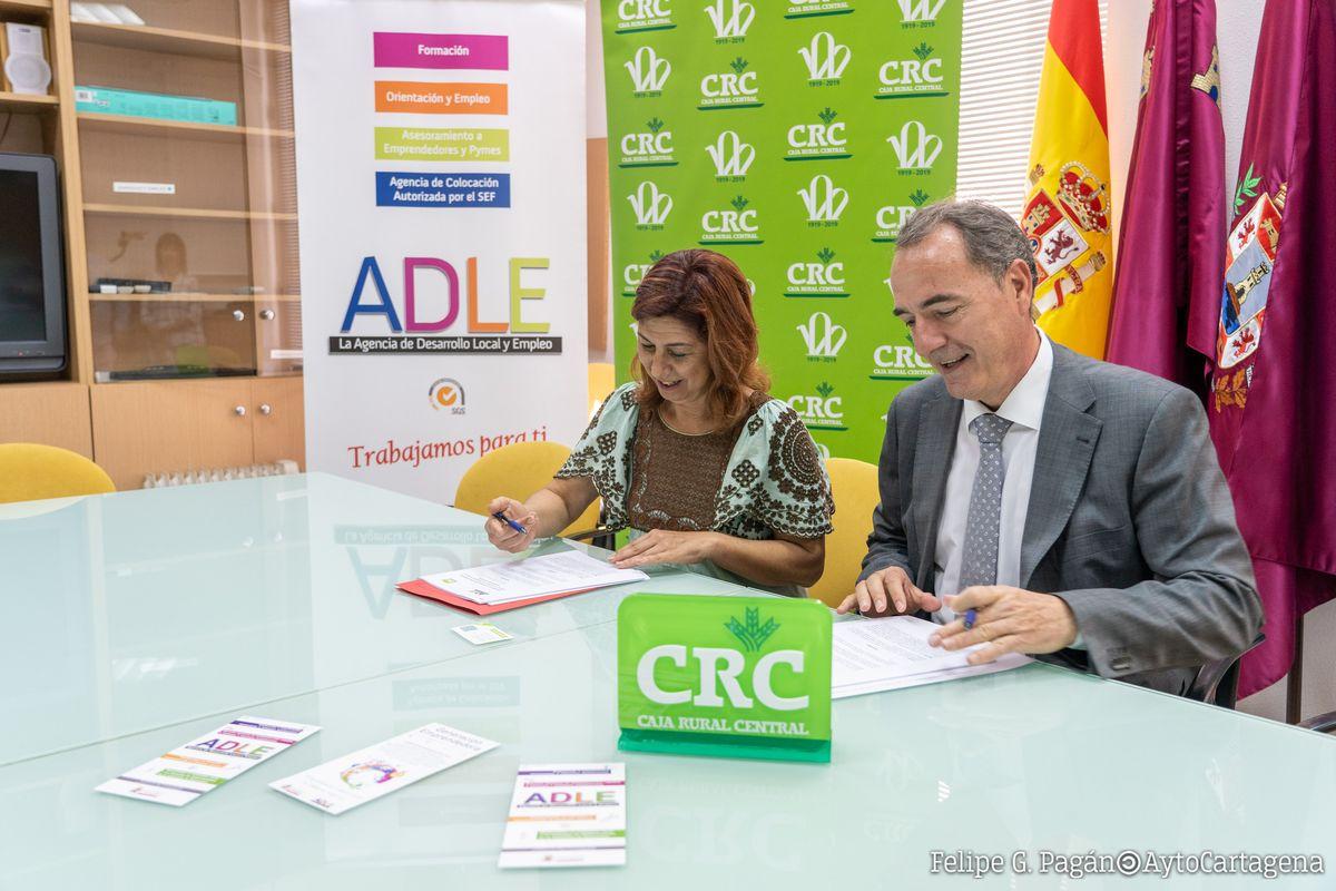 Firma convenio ADLE con Caja Rural