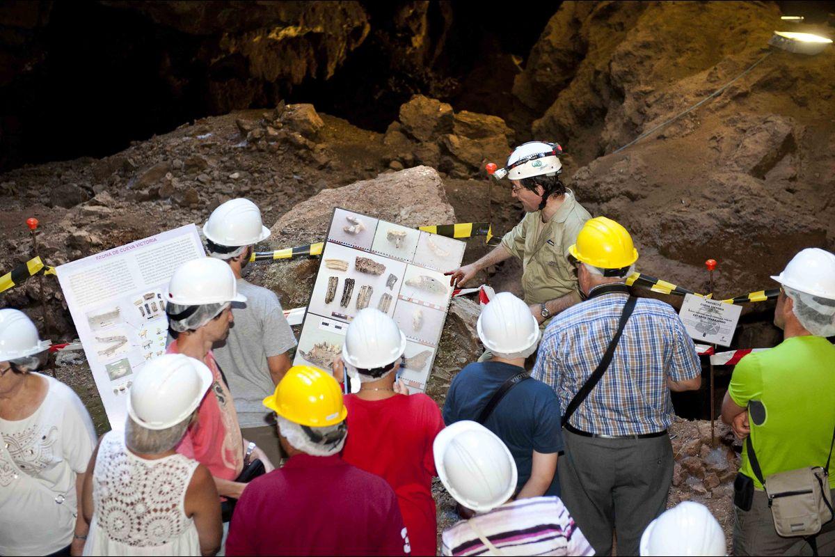 Visitas guiadas a Cueva Victoria