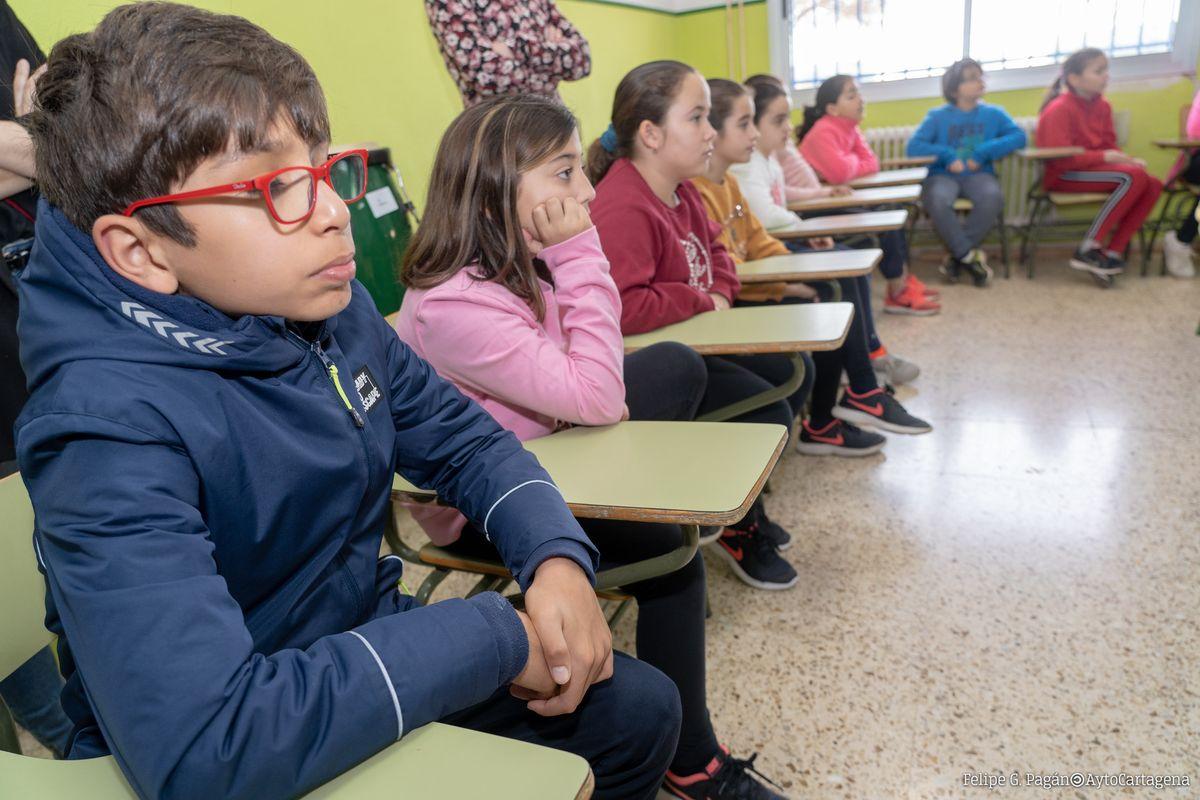 Alumnos del colegio de Pozo Estrecho