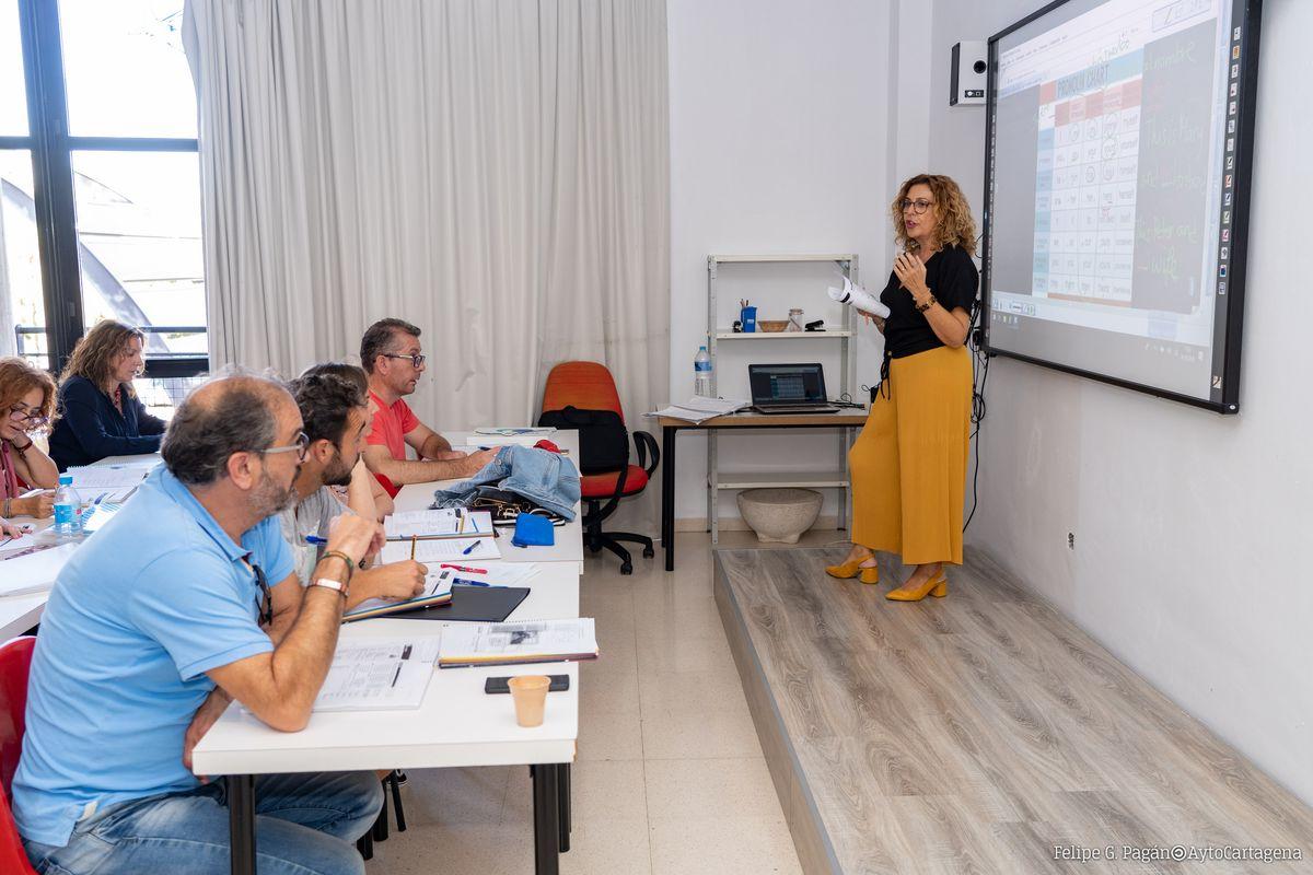 Curso de acceso a la Universidad para mayores de 25 años de la Universidad Popular de Cartagena
