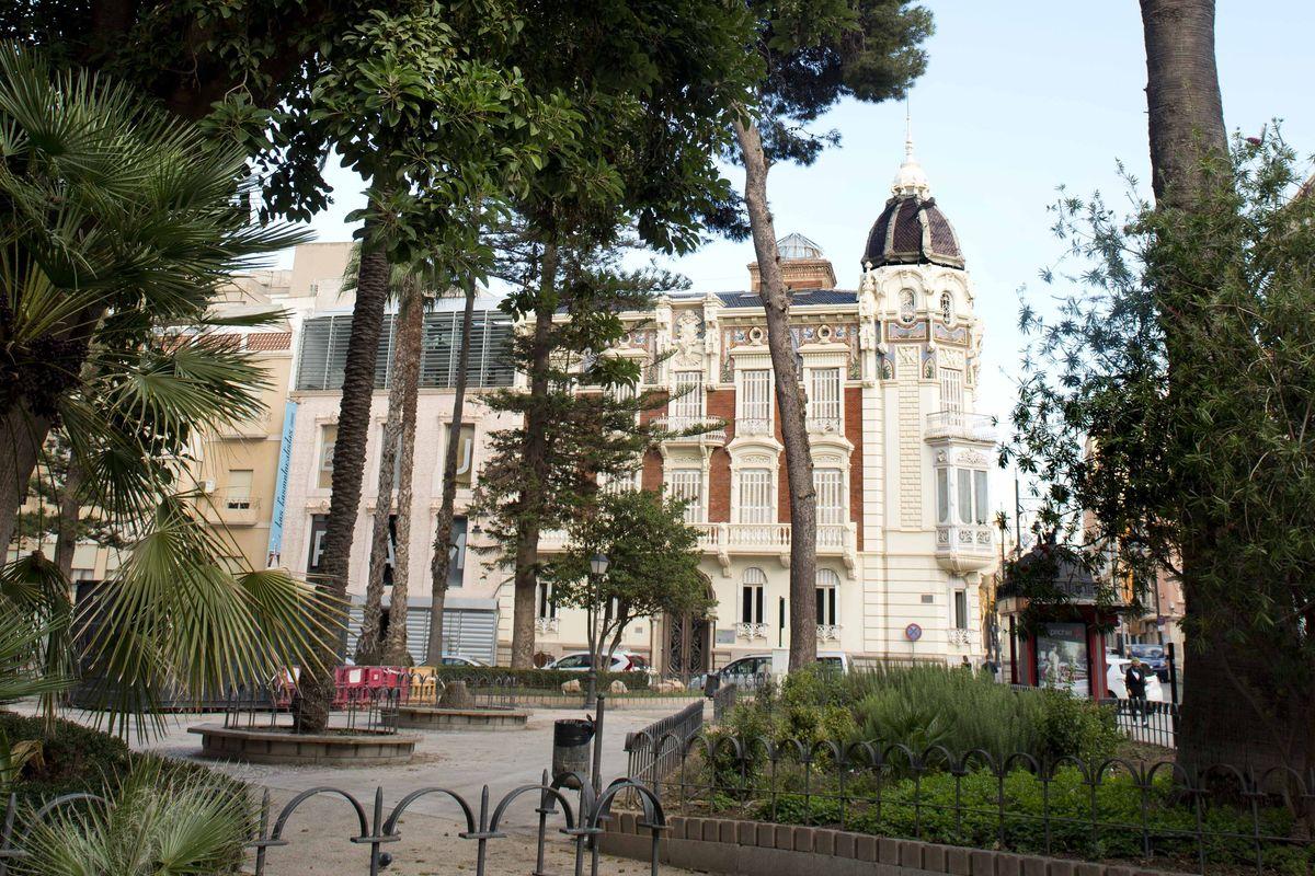 El Ayuntamiento de Cartagena ha encargado a la UPCT un estudio para conocer cómo quiere la sociedad que se renueve la plaza de la Merced