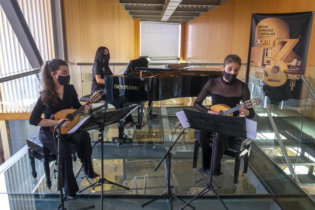 Concierto Entre Mandolinas y Pianos, de Entre Cuerdas y Metales