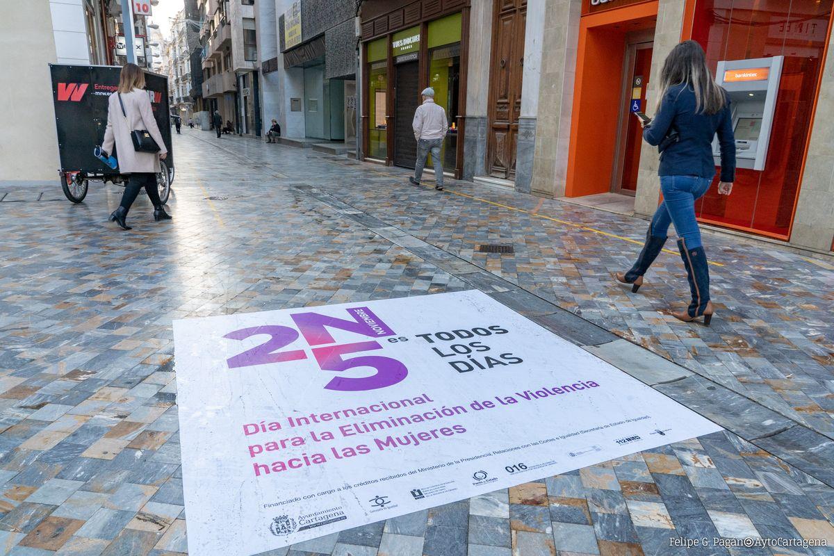 A los habituales mensajes de publicidad exterior, este año el Ayuntamiento ha centrado en redes sociales gran parte de su campaña para Eliminación de la Violencia contra las Mujeres