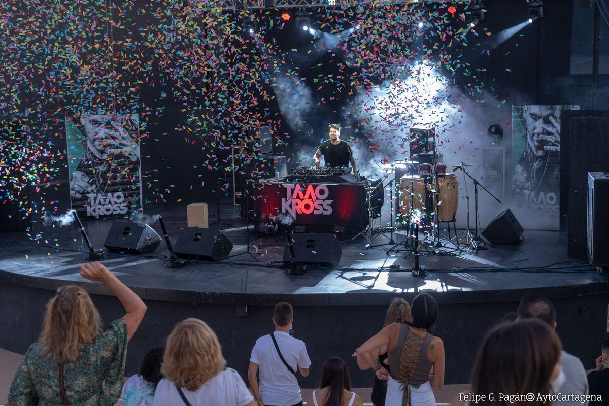 Actuación musical en el Auditorio del Parque de Torres