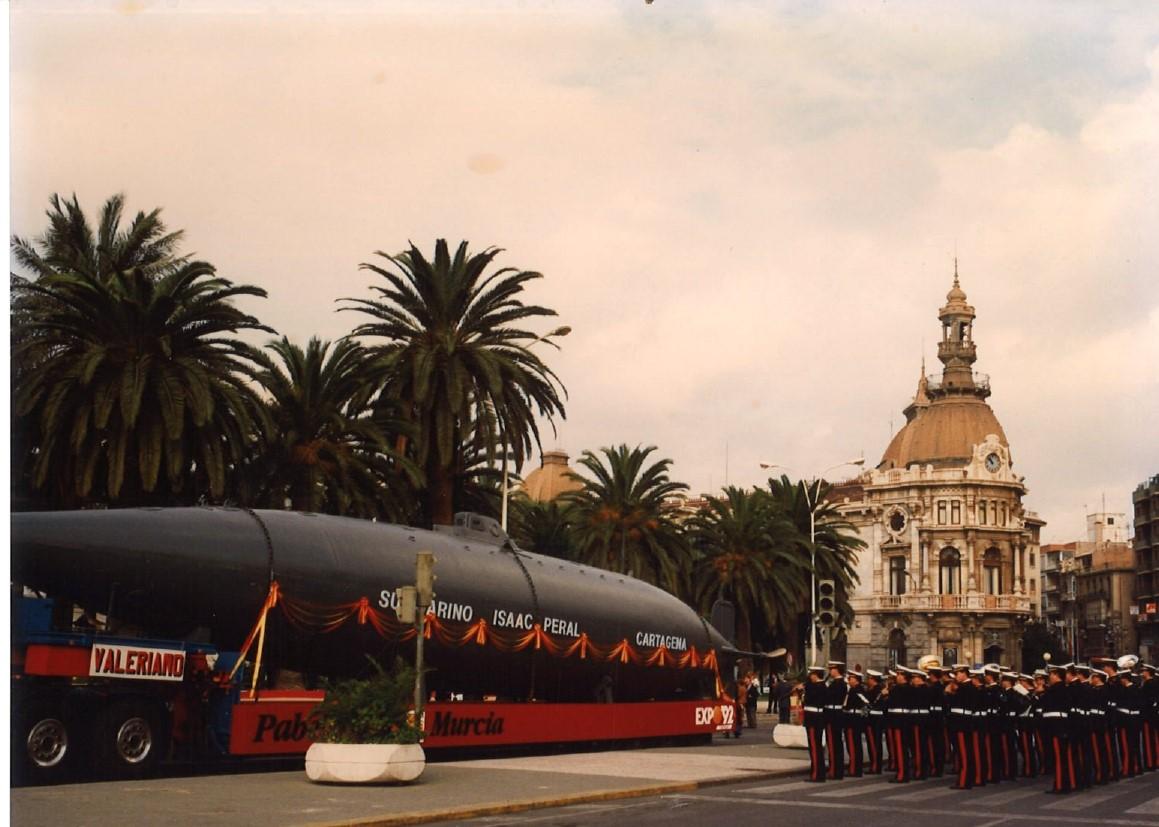 El submarino Peral rumbo a la Expo 92