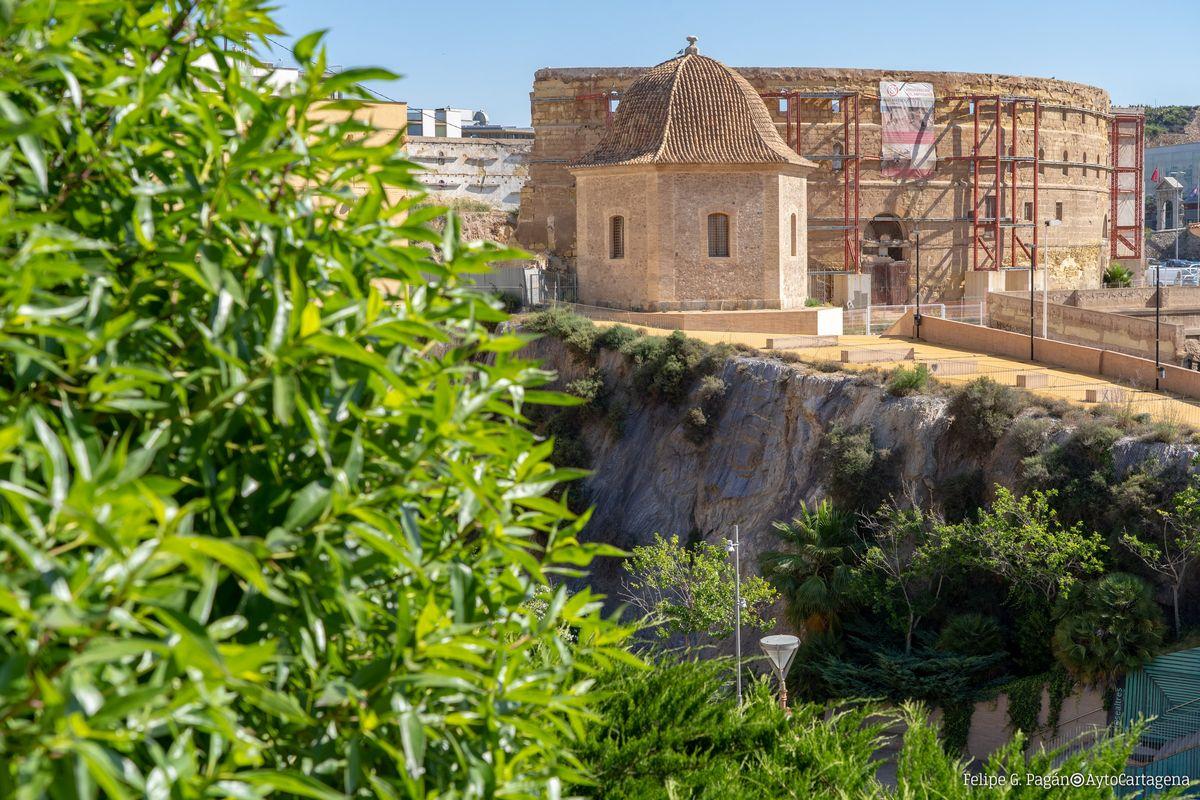 Entorno del Pabellón de Autopsias y el Anfiteatro Romano